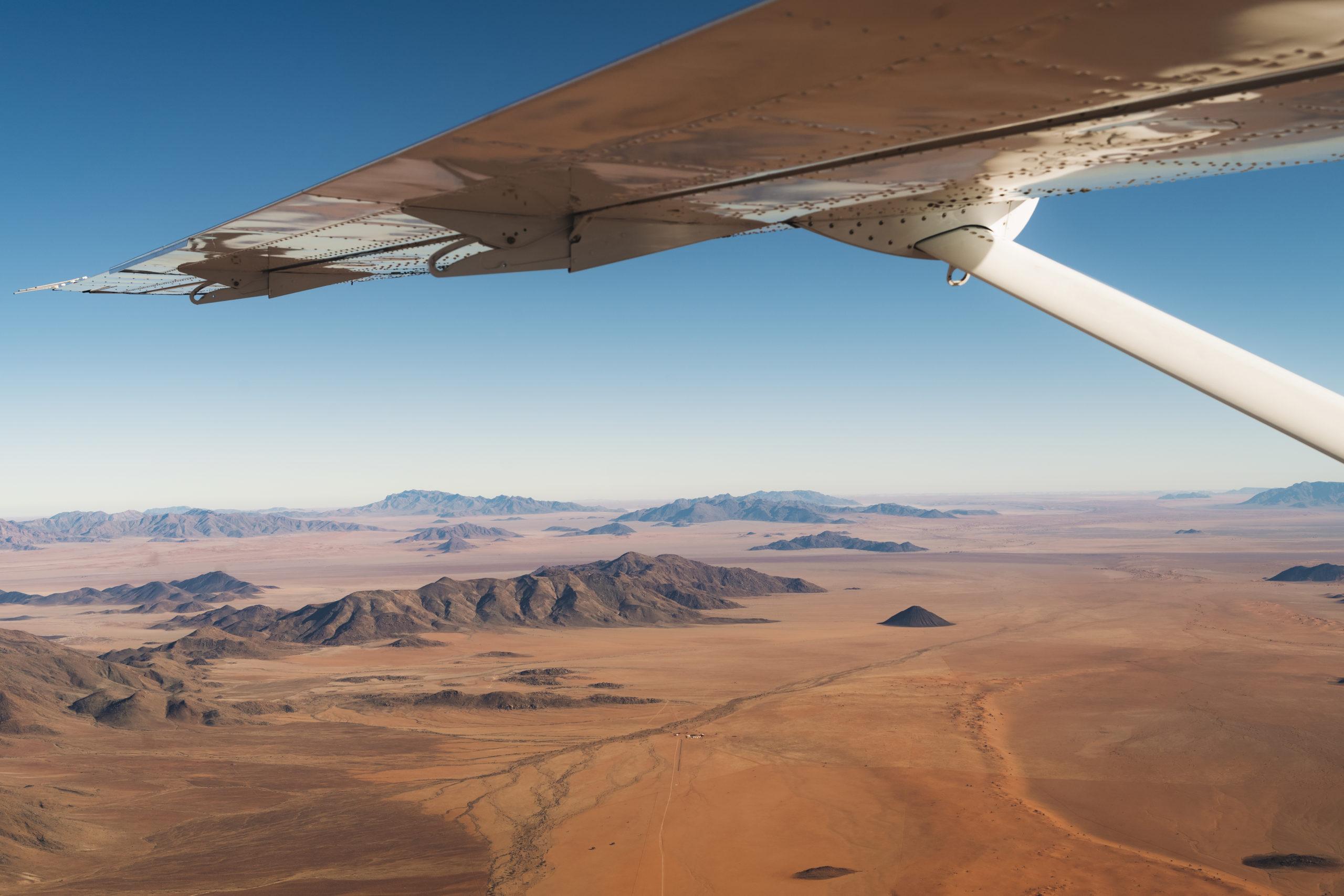 fly-in met vliegtuig in namibië