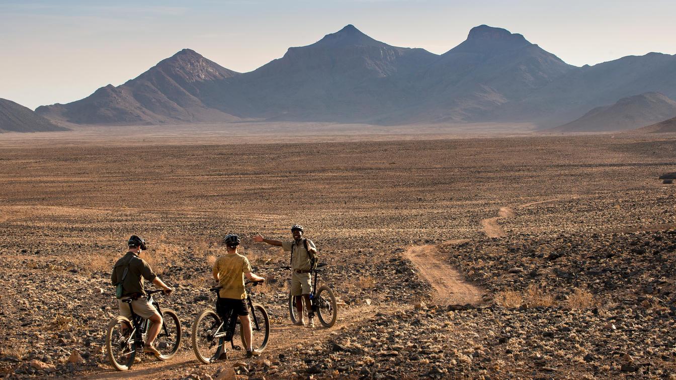 fietsen woestijn namibië