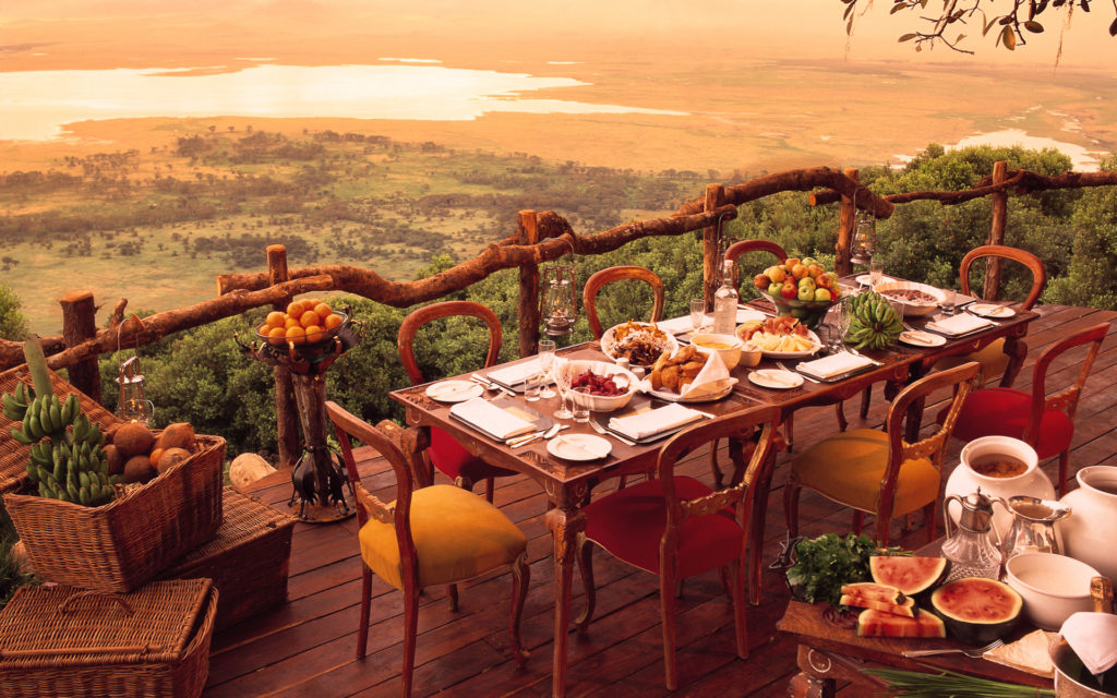 Ngorongoro Highlands Diner bij Krater